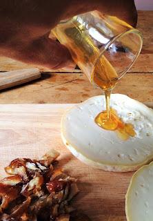 la laiterie de paris, chevrotin, gaec du vent des cimes, chevrotin dattes amandes et miel, recette chevrotin, blog fromage, blog fromage maison, faire du fromage, fromage paris, tour du monde fromage