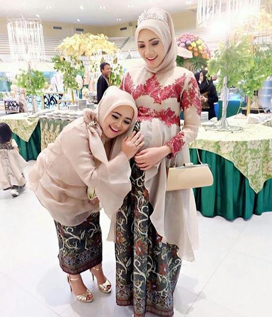 Model Kebaya Ibu Hamil Rok Batik Blouse Broklat