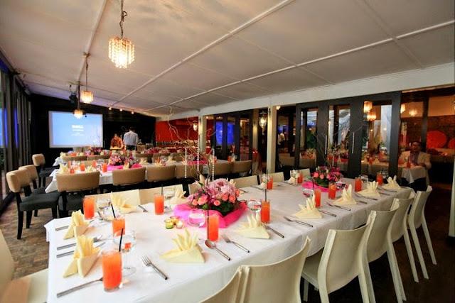 long table wedding