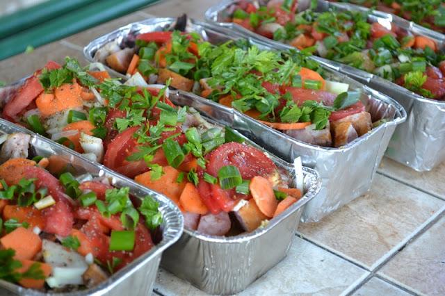 grill, danie z grilla, warzywa zapiekane, warzywa na grillu, zapiekanka, zapiekanka z grilla, ziemniaki z grilla, blog, zycie od kuchni, weekend, rozpalamy grill, relaks, wiosna, majowka, co na grill