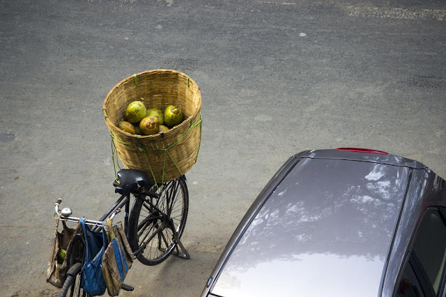 tender coconuts, home delivery, bandra east, street, street photo, mumbai, india,