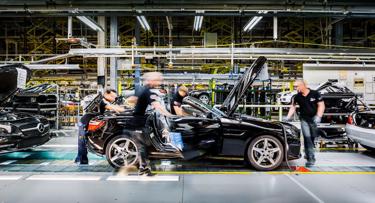 Mercedes favouring poland instead of russia for new car for Mercedes benz plant locations