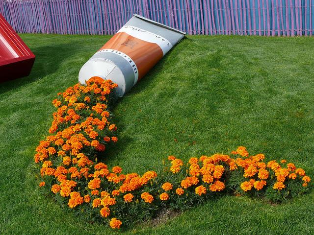 omorfos-kosmos.gr - 15 εικόνες με γλάστρες λουλουδιών που γίνονται έργα τέχνης!