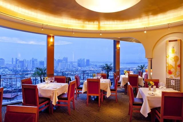 Restaurante Bertrand at Mister A's em San Diego