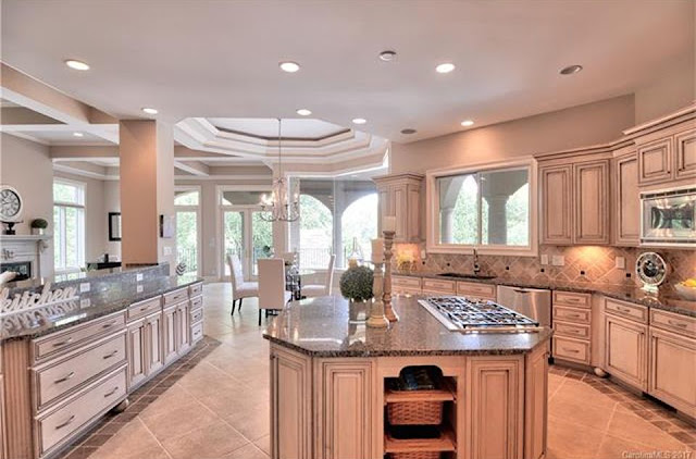 Tour This Amazing Waterfront Residence That Is Perfect For