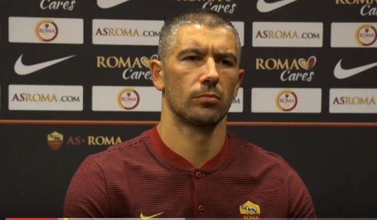 Alexander Kolarov rilascia la prima intervista a Roma TV dopo il perfezionamento del suo ingaggio. Il terzino serbo arriva dal Manchester Ciry.