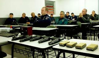 Guarda Civil Municipal de São Leopoldo (RS) passa por treinamento para uso de pistola