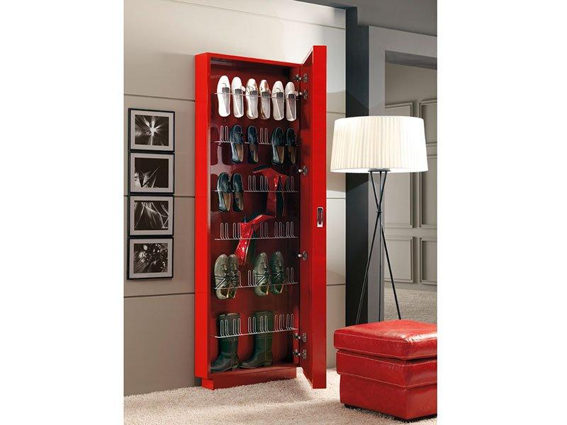 La chica de los 1001 zapatos espejo zapatero rojo - Zapatero entrada casa ...