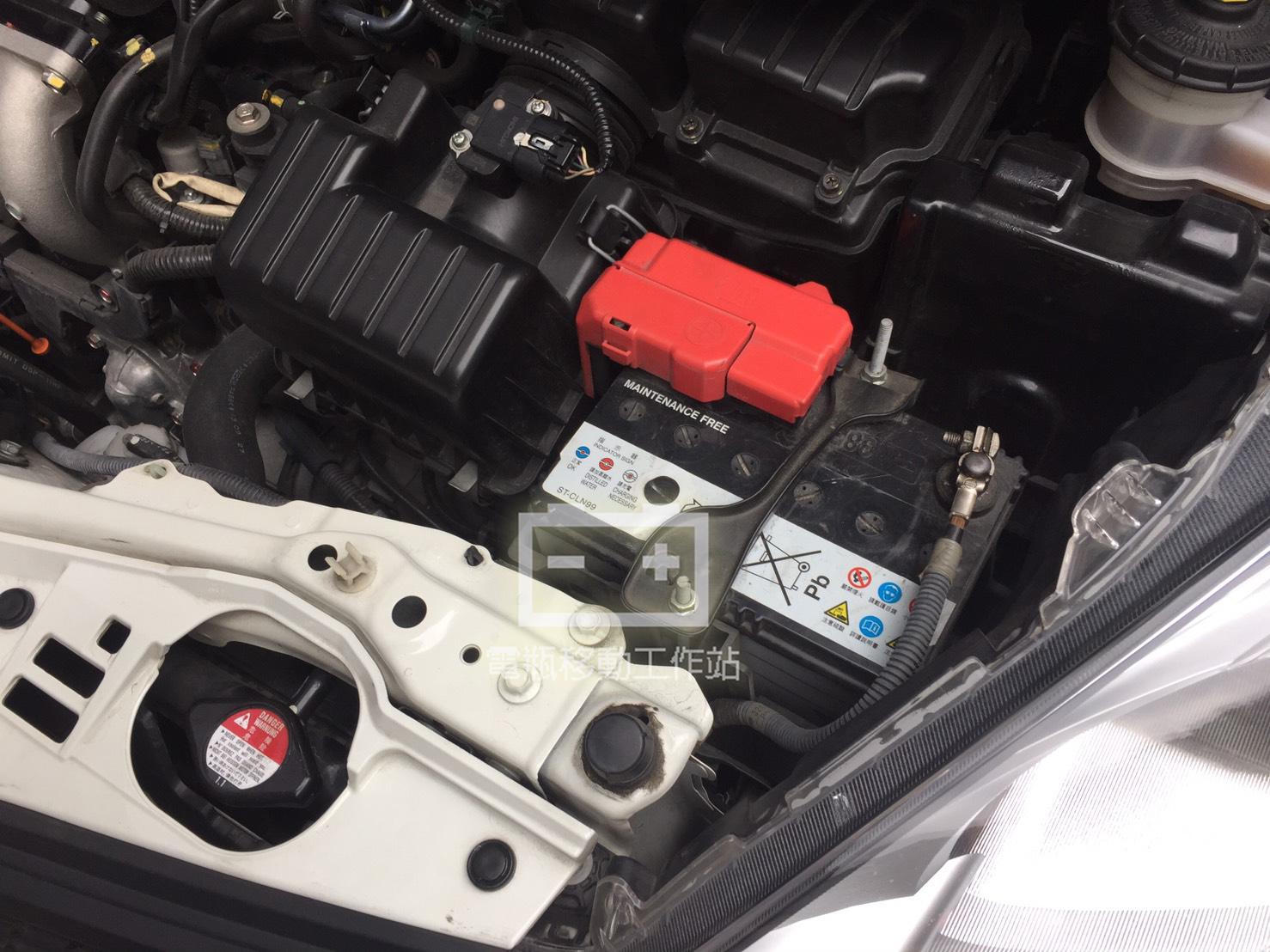 電瓶移動工作站: Honda本田 FIT 1.5 汽油 2014年 臺製YUASA 38B19L 35AH 265A(CCA) 更換 韓製SEBANG世邦 40B19L 35AH 300A(CCA ...