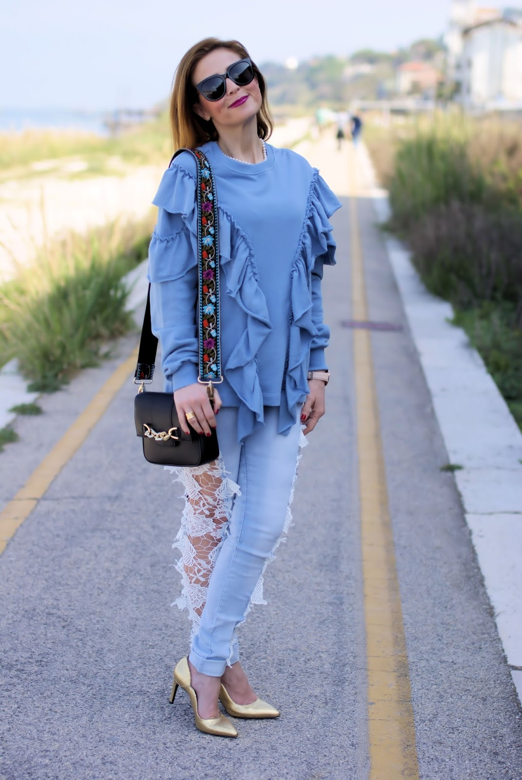 Lace cut out jeans found on Sammydress and ruffled sweatshirt for a daytime outfit idea on Fashion and Cookies fashion blog, fashion blogger style