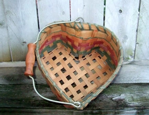 https://www.etsy.com/listing/161534898/mothers-day-gift-heart-shaped-wicker?ref=favs_view_6