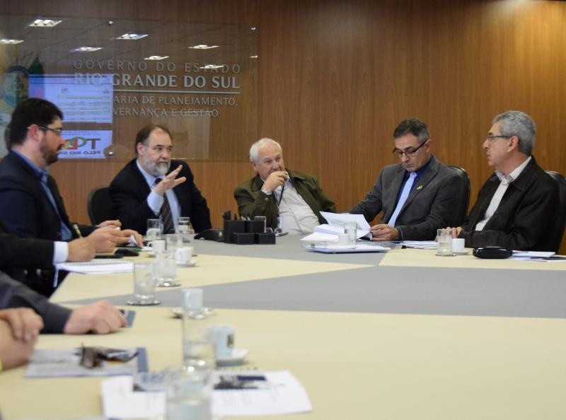Secretário Carlos Búrigo apresentou resultado do processo aos 28 Conselhos Regionais de Desenvolvimento (Coredes) - Foto: Leonardo de Moraes/SPGG