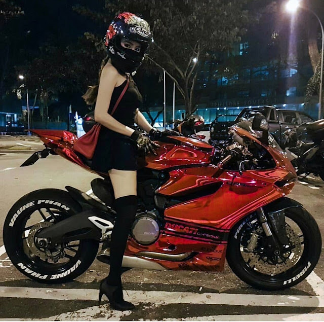 Panigale Girl