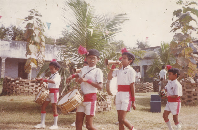 shaurabh bharti Playing drums while marching, 1990