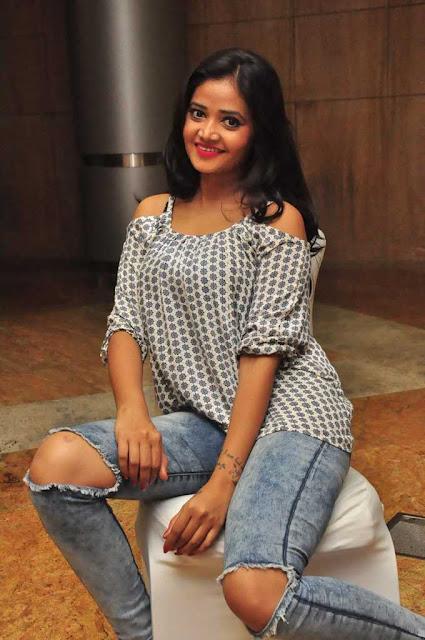 Shreya Vyas (5).jpg