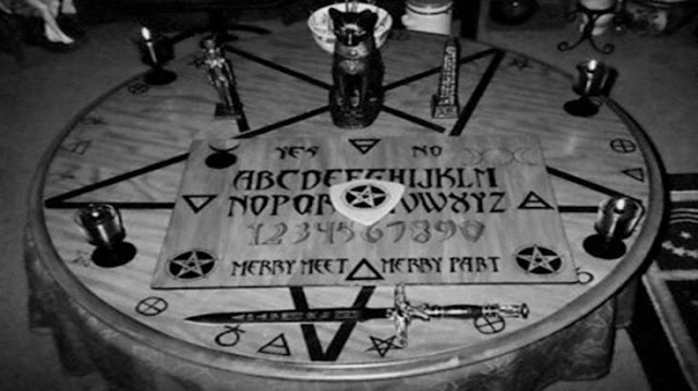 Chicas usaron la Ouija, y esto fue lo que paso
