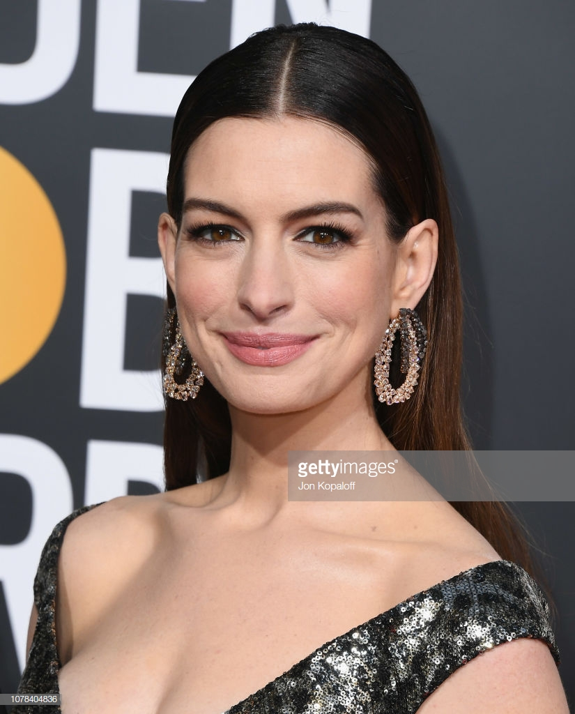 Sarah Afshar: Get The Makeup: Anne Hathaway At 76th Golden