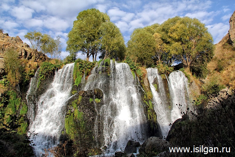 Vodopad-Shaki-Waterfall-Armenija
