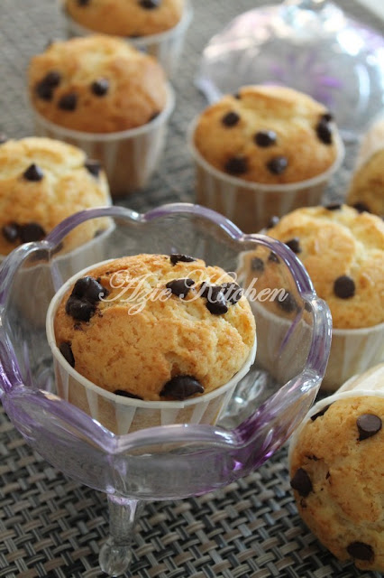 Chocolate Chips Muffin Paling Simple Azie Kitchen