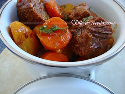 Carne de panela  com legumes e curry