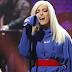 Bebe Rexha no programa Late Night de Seth Meyers