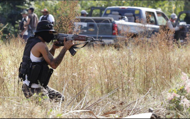 Autodefensas en Guerrero llenan los vacíos de poder, algunas echas por el Narco