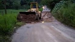 Despejados más de 20 derrumbes en vías rurales de Pinto Salinas