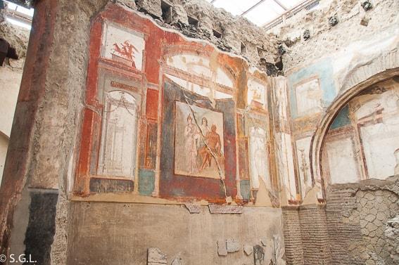 Frescos de la sede de los Sacerdotes Augustales en Herculano