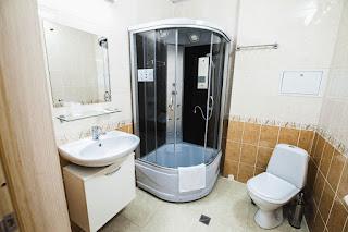 Санитарный узел в номерах в гостнице Седата Игдеджи