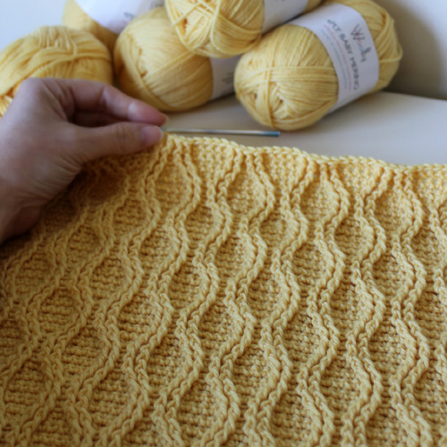 Cable Tryst Throw - Crochet Pattern
