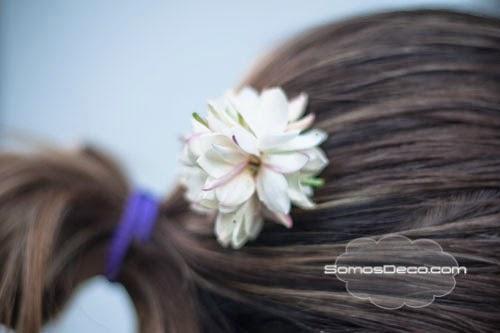 decorar moño con flores