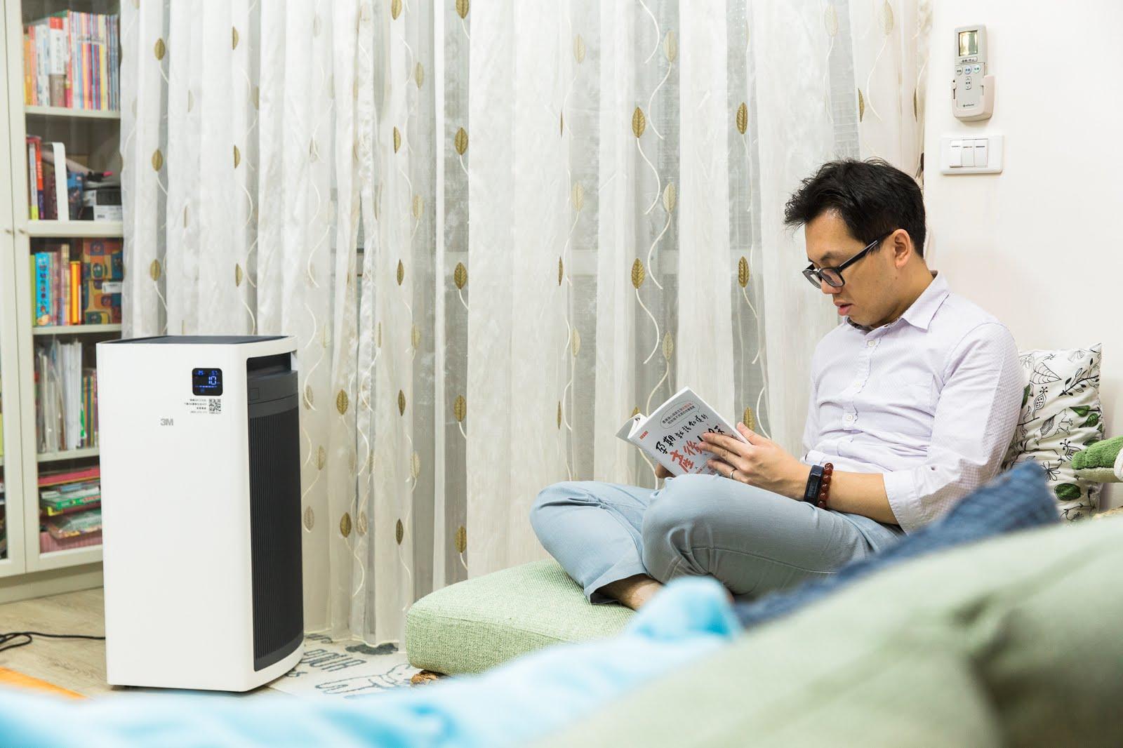 3M%2BFA-S500_dj%25E7%2590%25A6%25E7%2590%25A6_wwwhostkikicom_%25E5%25AE%2589%25E5%25BF%2583%25E7%259C%258B%25E6%259B%25B8%25E4%25B8%25AD.jpg-讓空氣跟家一樣令人安心│3M ™淨呼吸™全效型空氣清淨機─機皇級FA-S500
