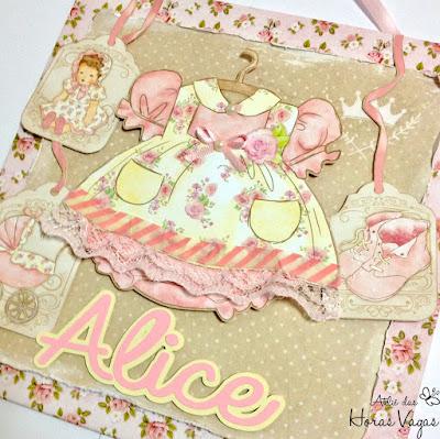 enfeite de porta de maternidade quarto bebê menina floral delicado rosa bege scrap scrapbook scrapbooking artesanal personalizado