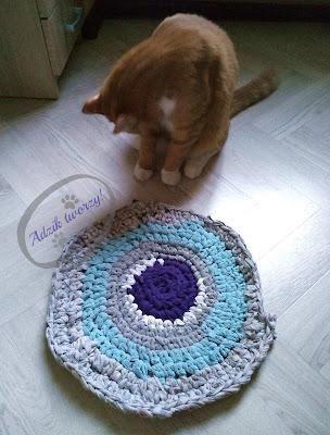 tshirt yarn jak zrobić, dywan na szydełku włóczka z ubrań