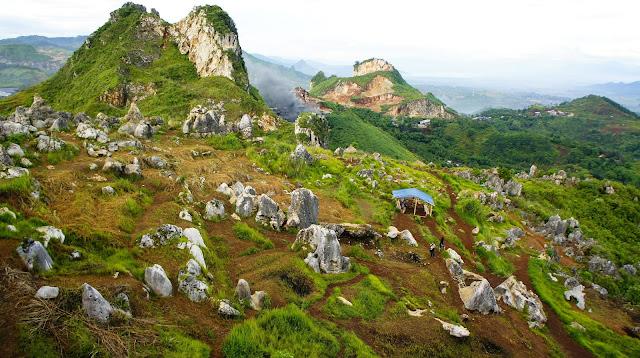 foto pemandangan stone garden padalarang