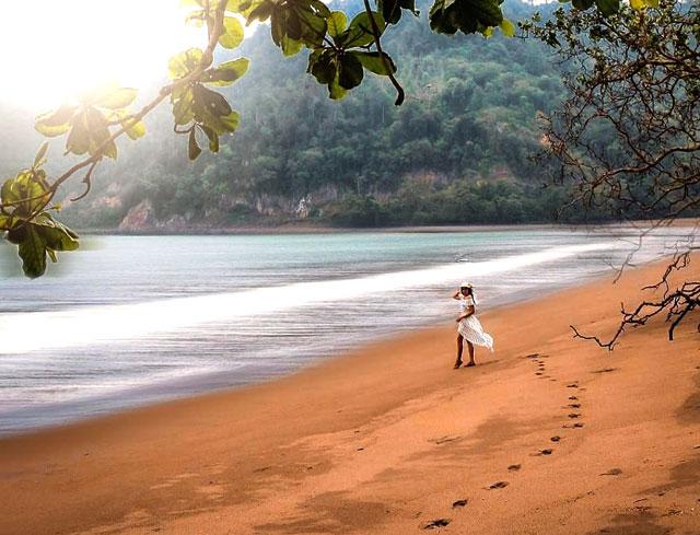 pantai napal di kelumbayan