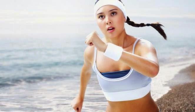 wanita berolahraga