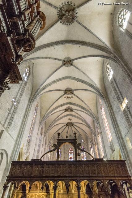 Bóveda de la nave gótica de la Catedral de Santa María en Saint Bertrand de Comminges por El Guisante Verde Project