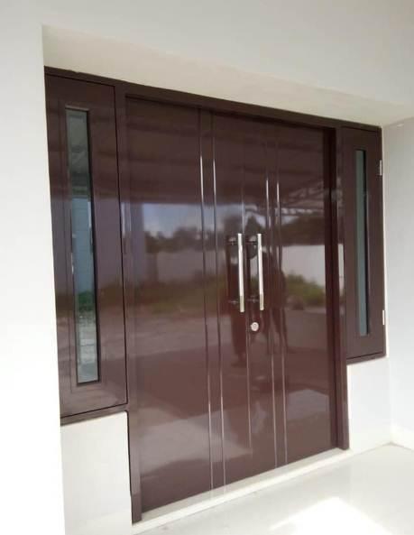 Pintu rumah minimalis 1 lantai