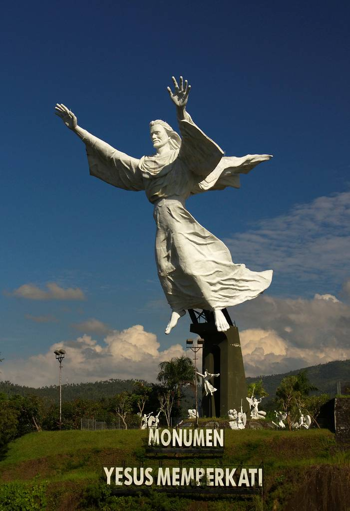 The Tallest Statues Of Jesus Christ In The World
