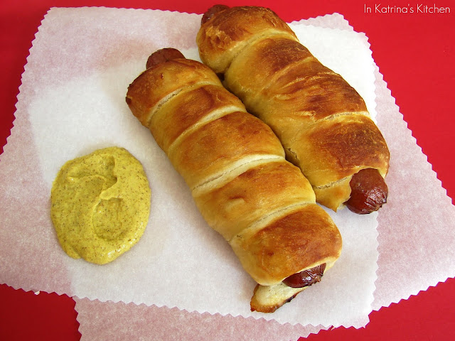 Soft Pretzel Dogs #recipe from @katrinaskitchen