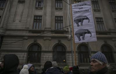 kormányellenes tüntetés, Sepsiszentgyörgy, Grindeanu-kormány, btk, büntető törvénykönyv, közkegyelem, Florin Iordache,