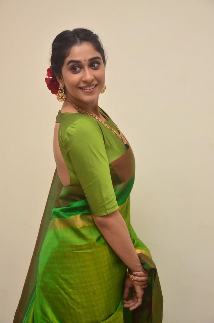 Regina Cassandra At Shankarabharanam Awards 2017 Stills