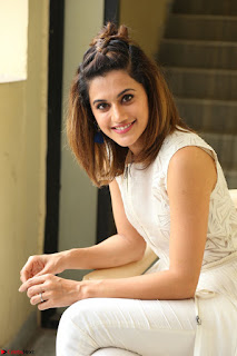 Taapsee Pannu in cream Sleeveless Kurti and Leggings at interview about Anando hma