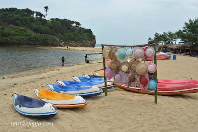 Sewa Kayak di Pantai drini