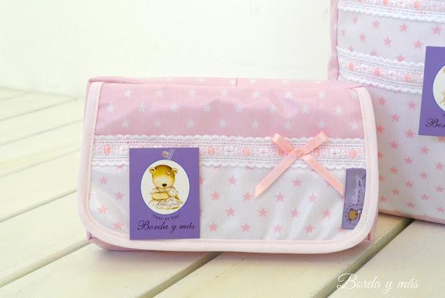 portatoallitas bebé estrellas rosa blanco
