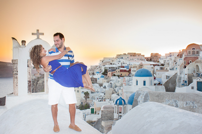 http://www.studiokristo.com/honeymoon-photography/anniversary-photo-in-santorini/