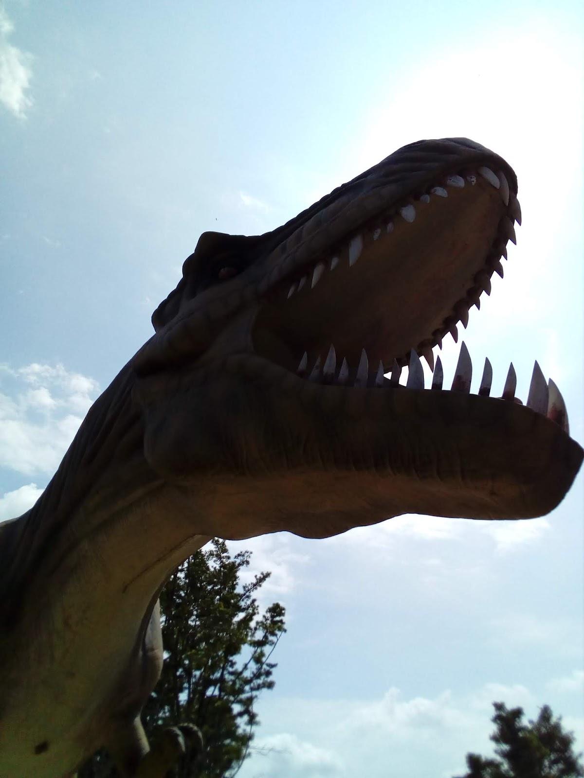 The Arifs dan The Azfars suka ria di Donhu Jurassic Park Muar