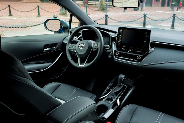 Toyota Corolla 2019 XSE - interior