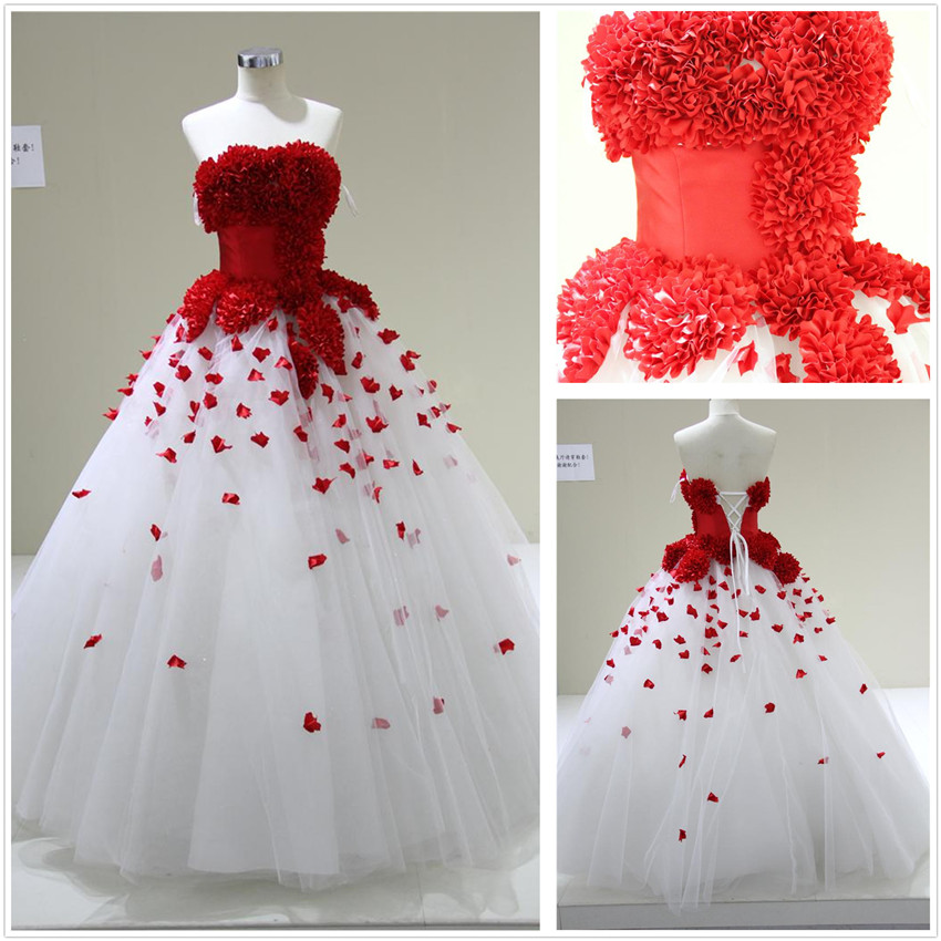 Red And White Wedding Gowns: Colorindo O Casamento